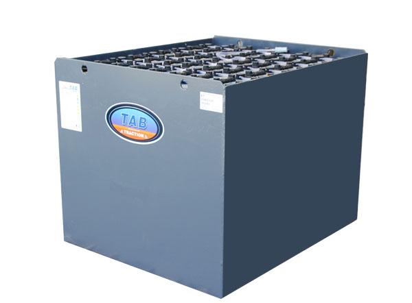 batterie trazione carrelli elevatori e piattaforme aeree