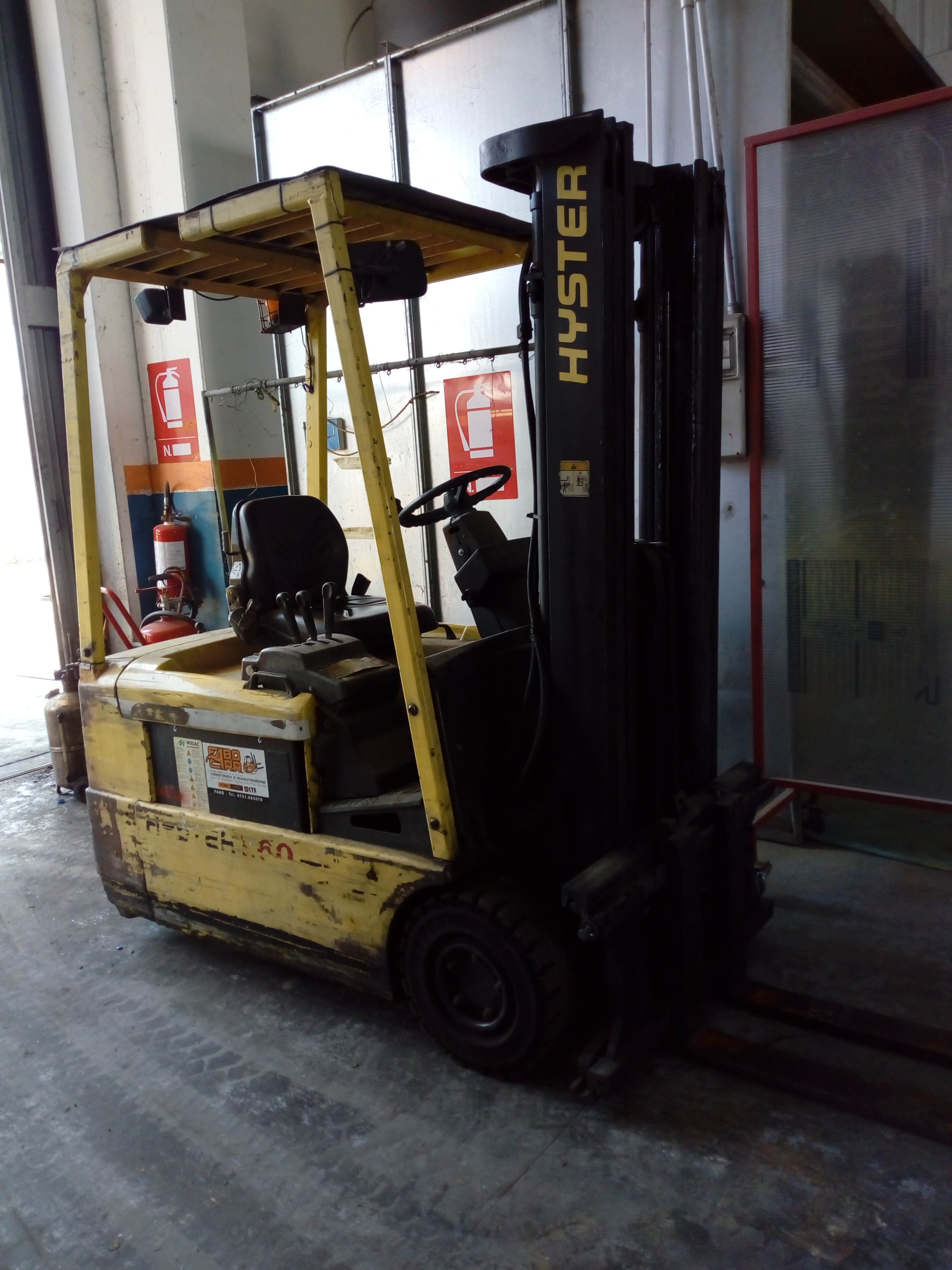 Carrello elevatore elettrico a 3 ruote HYSTER J1.60XMT