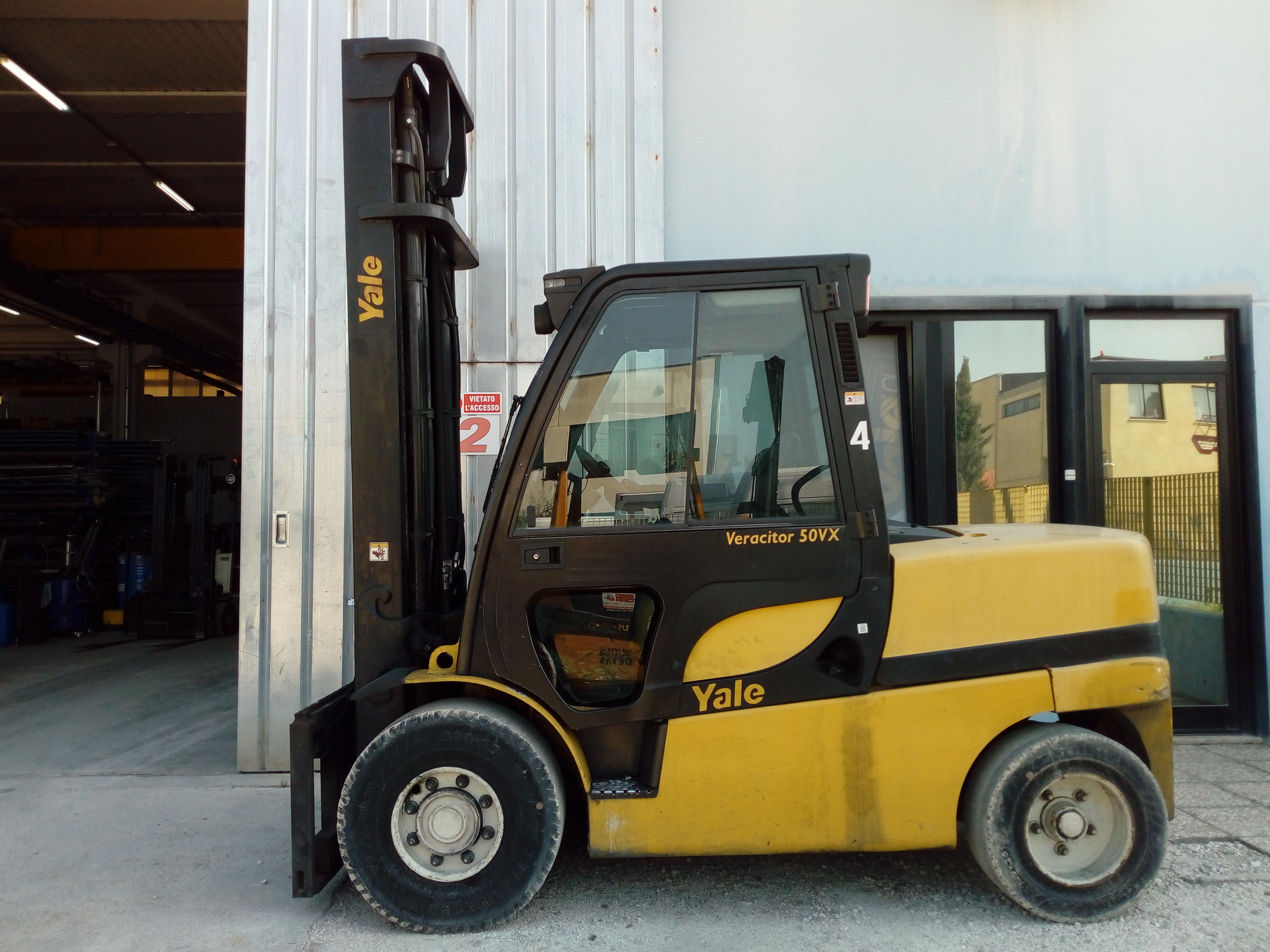 Carrello elevatore diesel a 4 ruote YALE GDP50VX
