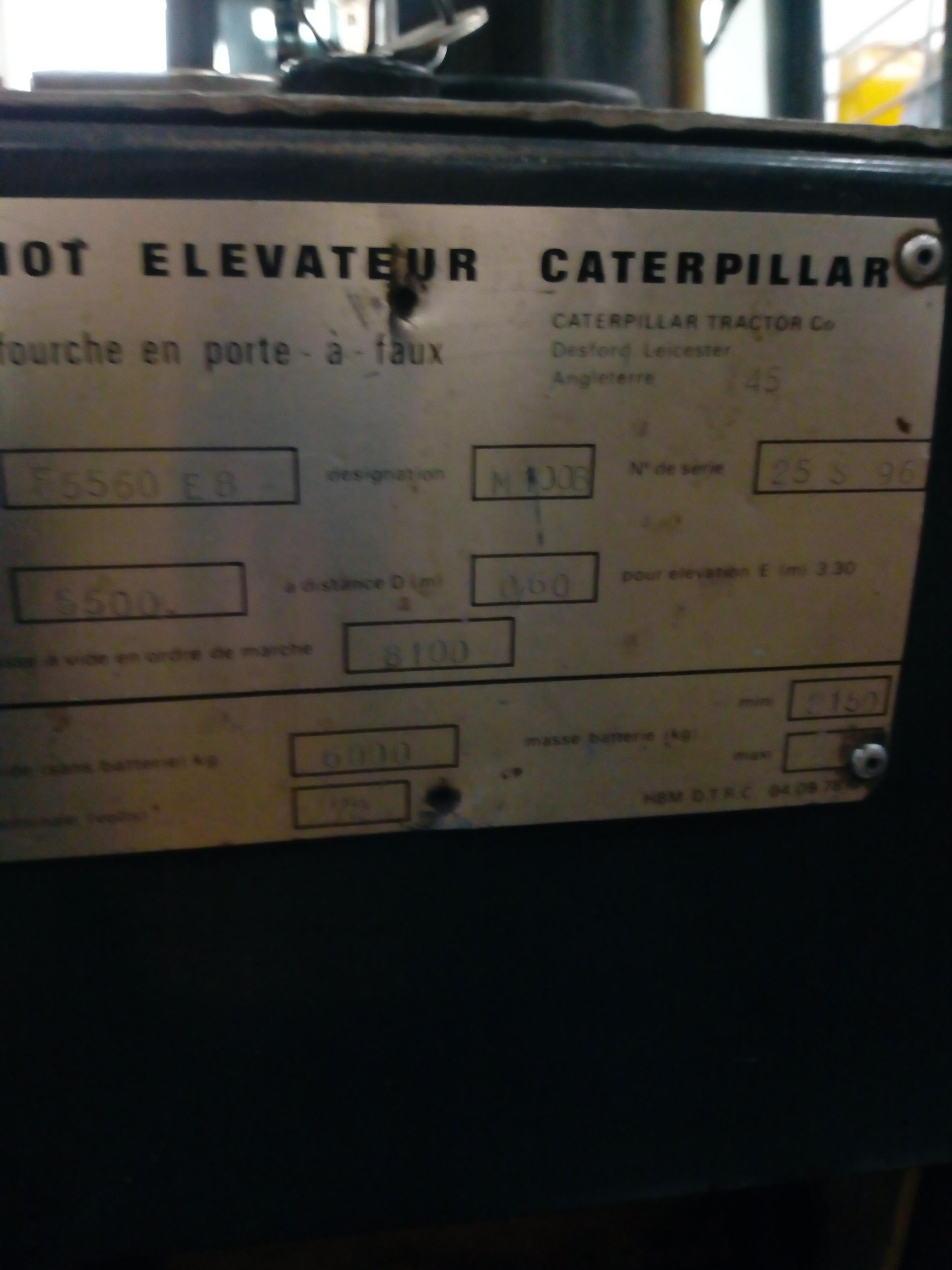 Carrello elevatore elettrico a 4 ruote CATERPILLAR F5560EB